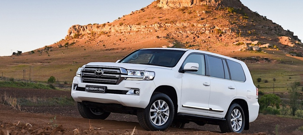 2021 toyota land cruiser wallpaper  top newest suv